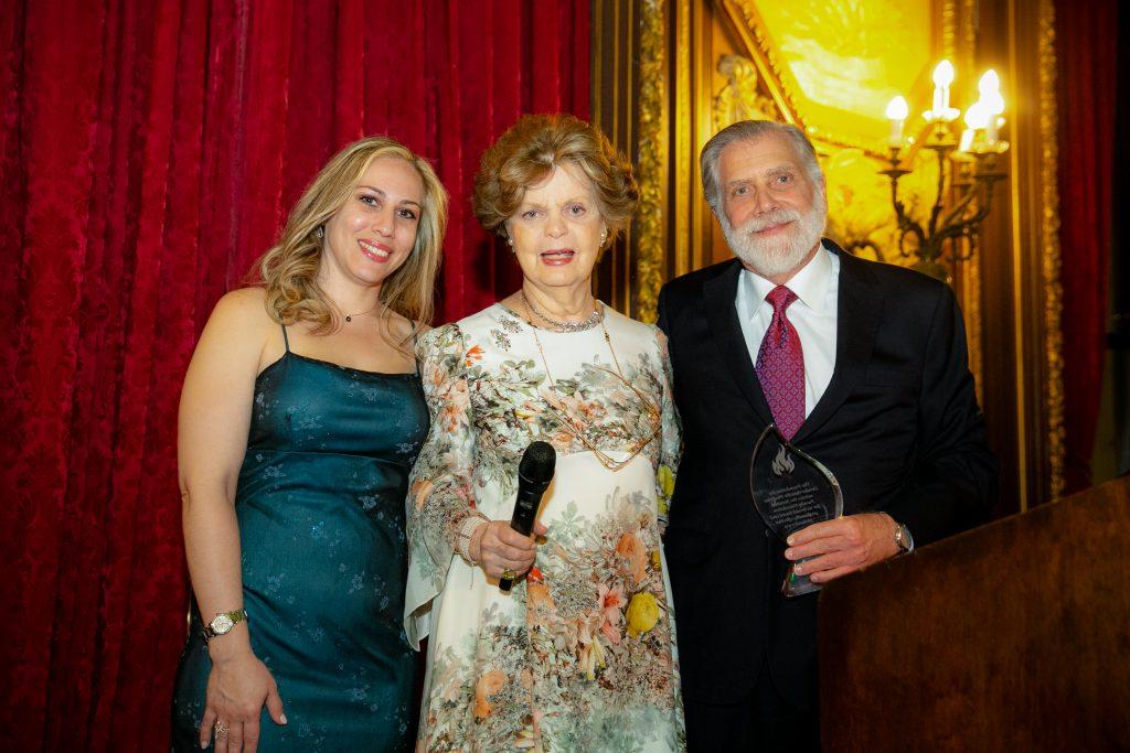 Wendy dauber, Dr. Marian Legato Thomas F. Secunda